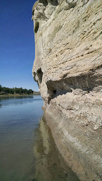 Missouri-white-cliffs-close-up